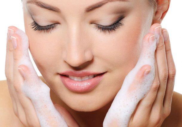poranna pielęgnacja twarzy