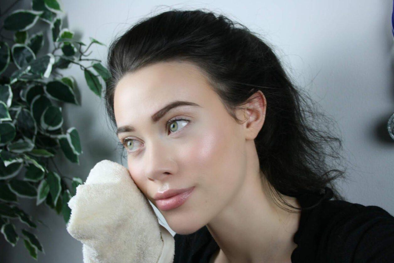 oczyszczanie twarzy olejami